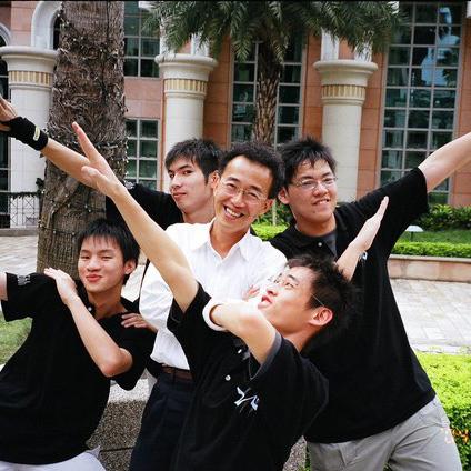 鄭永銘老師和他的學生